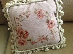 """Wool Needlepoint ROSE FLORAL Aubusson Pillow Cover W//Tassles 20/"""" x 20/"""" ~ NIP"""