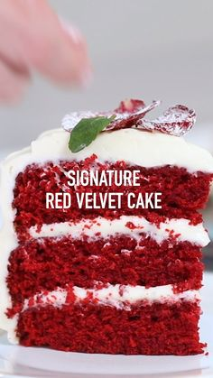Classic Red Velvet Cake One of Chef Eddy's favorites! This Red Velvet cake is moist and delicious and finished off with a rich and creamy frosting. It is a sure hit! Köstliche Desserts, Delicious Desserts, Yummy Food, Mini Dessert Recipes, Indian Dessert Recipes, Tasty, Lemon Desserts, Plated Desserts, Cupcake Recipes