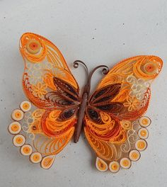 Motýl Quilling Butterfly, Arte Quilling, Paper Quilling Cards, Paper Quilling Jewelry, Origami And Quilling, Quilled Paper Art, Quilling Paper Craft, Butterfly Dragon, Monarch Butterfly