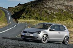 Golf 2.0L TDI 4dr Hatchback  (2.0L 4-cyl. Turbo Diesel 6-speed Manual w/Sunroof, Navigation)   To run on biodiesel :)