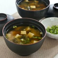 Miso Soup with wakame (seaweed), tofu, and green onions. Step-by-step instructions included for homemade dashi stock.