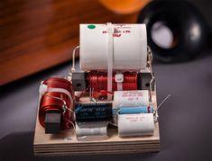 Test: Trenner & Friedl Osiris - Lautsprecher - Testbericht fairaudio Crossover, Dj, Room, Circuits, Filter, Engineering, Music Speakers, Eyes, Audio Crossover