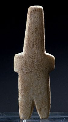 Schematic figurine of the Phylakopi type marble Cycladic Early Cycladic III period 2300-2000 BC
