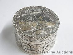 Antique Sterling Silver Repousse Scotland Crown Thistle Crest Snuff Trinket Box