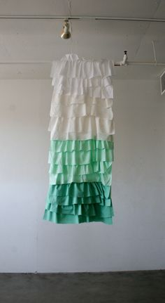 Learn to make ruffle curtains and design your own decor! Excellent tutorial at  http://diyready.com/how-to-make-curtains-and-pillows-home-makeover-tutorial