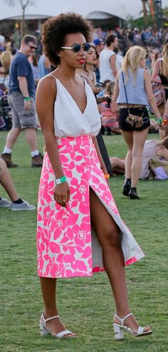 Solange Knowles hasnt got the relaxed vibe of Coachella going on here as she looks quite smart, but regardless we are loving the look. Front splits will be coming to a high street store near you shortly.