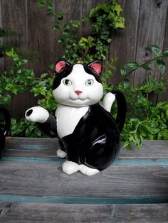 Vintage Collectible Cat Teapot Black and by UnderTheSycamores