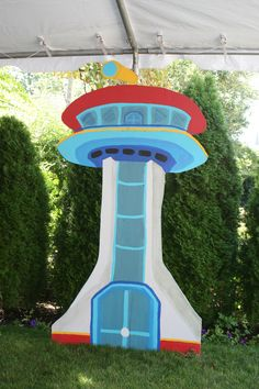 paw patrol lookout tower more paw Paw Patrol Lookout, Sky Paw Patrol, Paw Patrol Party, Paw Patrol Birthday, Birthday Bbq, Baby Boy Birthday, 4th Birthday Parties, Birthday Ideas, Birthday Cake
