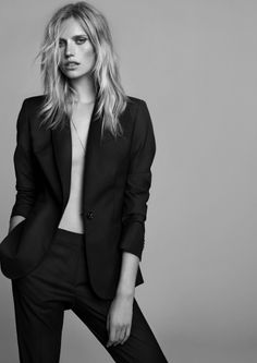 Cato Van Ee & Oriol Elcacho for Massimo Dutti In Black Photo Portrait, Portrait Poses, Female Portrait, Suit Fashion, Fashion Shoot, Editorial Fashion, High Fashion, Fashion Photography Inspiration, Photoshoot Inspiration