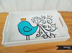 Hermosas bandejas de desayuno, pintadas a mano, con diseños propios. Modelo Like A Bird ♥ No dudes en consultarnos! Y pasar a ver todos nuestros p...