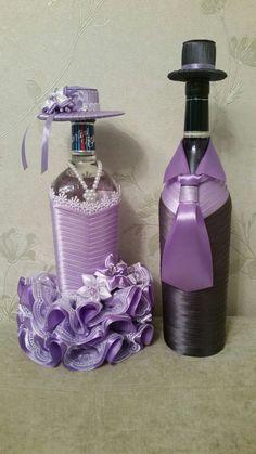 Bride And Groom Glasses, Wedding Wine Glasses, Wedding Bottles, Decorated Wine Glasses, Hand Painted Wine Glasses, Decorated Bottles, Wine Bottle Art, Wine Bottle Crafts, Bling Bottles