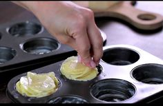 How to make Parmesan Potato Stacks (video) Easy Cooking, Cooking Recipes, No Cook Meals, Food Inspiration, Love Food, Tapas, Food And Drink, Veggie Recipes, Yummy Food