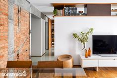 Revista Arquitetura e Construção - Bikes ganharam lugar especial na reforma deste apartamento assinado