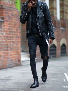 All Black Outfit Men That Proves Black Is Every Year's Color - Outfit & Fashion Stylish Mens Fashion, Men's Fashion, Fashion Photo, Fashion Stores, Fashion Outfits, Dark Fashion, Woman Outfits, Lifestyle Fashion, Fashion Trends