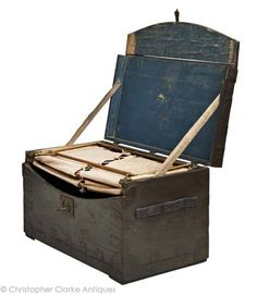 This type of bed, folding out of a trunk, is rare and the maker is perhaps the most celebrated of portable bed makers in the century. Folding Furniture, Antique Furniture, Cool Furniture, Vintage Caravans, Vintage Trailers, Vintage Campers, Army Gears, Prop Box, Vintage Luggage