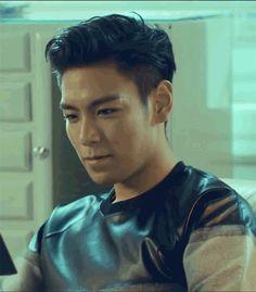 t.o.p is so handsome Big Bang, Daesung, Vip Bigbang, Asian Men Hairstyle, My Hairstyle, Make Up Tutorials, Btob, Yg Entertainment, Sung Lee
