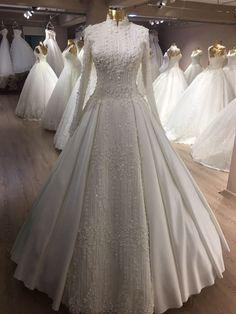 muslim wedding dress with train Muslim Wedding Gown, Muslimah Wedding Dress, Modest Wedding Gowns, Muslim Wedding Dresses, Muslim Brides, Bridal Dresses, Dresses Elegant, Marie, Bridal Salon