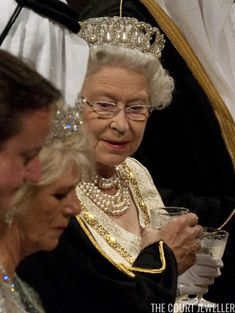 Kieran Doherty - WPA Wire/Getty Images We're very used to seeing Queen Elizabeth II of the United Kingdom wearing pearls; she dons dia...