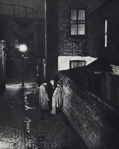 Dark alley way. Bill Brandt (Igorslavich, via Flickr)