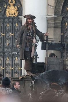 Captain Jack Sparrow behind-the-scenes Johnny Depp Fans, Johnny Depp Movies, Disney World Facts, Jonny Deep, On Stranger Tides, Pirate Life, Fantasy Movies, Hollywood Actor, Pirates Of The Caribbean