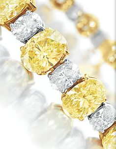 From E. Taylor's collection auctioned at Christie's. I do love this! Silver Jewelry, Vintage Jewelry, Fine Jewelry, Silver Ring, Yoga Jewelry, Gold Jewellery, Elizabeth Taylor Jewelry, Canary Diamond, Jaune Orange