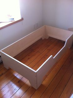 DIY Projects: DIY Toddler bed with birch plywood DIY Projects: DIY Toddler bed with birch plywood The post DIY Projects: DIY Toddler bed with birch plywood appeared first on Toddlers Diy. Toddler Floor Bed, Diy Toddler Bed, Toddler Rooms, Floor Bed Mattress, Floor Beds, Diy Projects Plywood, Diy Bett, Bed Frame With Storage, Diy Flooring