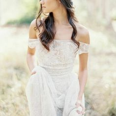 Beautiful gown from @nearlynewlywed