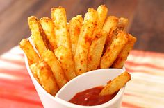 VIDEO RECIPE > Oven Baked Garlic Parmesan fries‏