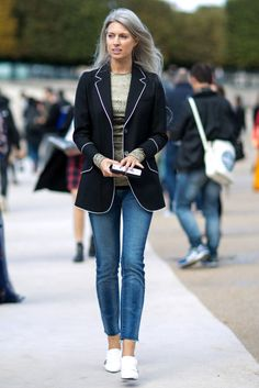 ideas on how to style a blazer  | for more style inspiration visit 40plusstyle.com