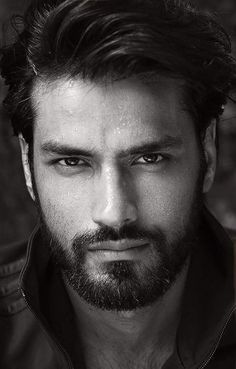 handsome guys with trimmed beard Beautiful Men Faces, Gorgeous Eyes, Most Beautiful Man, Face Men, Male Face, Latin Men, Beard Styles For Men, Handsome Faces, Handsome Man