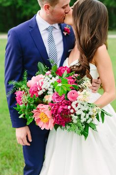 A colorful chic Southern summer wedding at the White Sparrow Barn near Dallas for Texas A&M alums with a bright royal blue and fuchsia pink palette timeless bridal style rustic chic country decor and a mismatched bridal party in neutral dresses! Berry Wedding, Summer Wedding Bouquets, Summer Wedding Colors, Floral Wedding, Wedding Flowers, Wedding Day, Wedding Decor, Wedding Parties, Dream Wedding