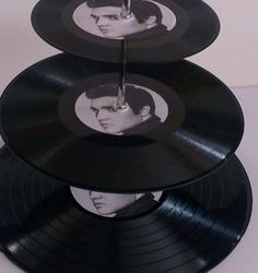 Elvis Presley 3 Tier Vinyl Record Cake Stand by vinylwallyork, Elvis Birthday Party, 70th Birthday Parties, Dad Birthday, Lilo Stitch, Tema Vegas, Elvis Cakes, Elvis Presley Cake, Record Cake, Elvis Wedding