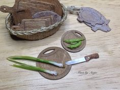 Dollhouse miniature wooden boards. Round pair of by MinisbyAngie, €8.00