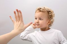 Çocukların Özgüveni Nasıl Gelişir?