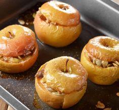 Cepti āboli ar mandelēm un brūkleņu ievārījumu - Jauns. Baby Food Recipes, Cake Recipes, Vegan Recipes, Cooking Recipes, Romanian Desserts, Romanian Food, Jacque Pepin, Dessert Bars, Bakery