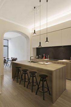 Bel-etage herontdekt - Renovatie - Ik Ga Bouwen.be - keuken met eiland