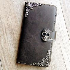 New Gothic Skull phone wallet Leather flip case Stand cover For iPhone 8 11 XR Coque Iphone 4, Iphone 8, Iphone 6 Plus Case, Iphone Cases, Cell Phone Wallet, Diy Phone Case, Iphone Price, Accessoires Iphone, Skull And Bones