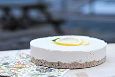 Raw-vegan-lemon-cheesecake