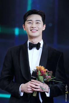 Asian Actors, Korean Actors, Korean Dramas, Park Seo Joon Instagram, Joon Park, Baby Park, Poster Background Design, Park Seo Jun, Park Min Young