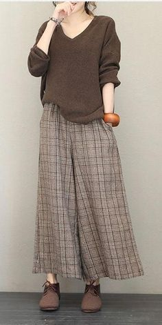 Casual V Neck Base Sweater Women Loose Tops – Hijab Fashion 2020 Hijab Fashion, Korean Fashion, Fashion Outfits, Womens Fashion, Casual Wear, Casual Outfits, Cheap Clothes Online, Loose Tops, Mode Inspiration