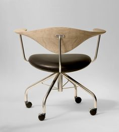 Hans J. Wegner for PP Mobler : Swivel Chair, back in production