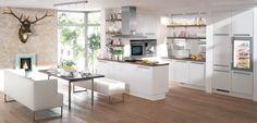 #Küche in Weiß #Kücheninsel #Wohnküche www.dyk360-kuechen.de