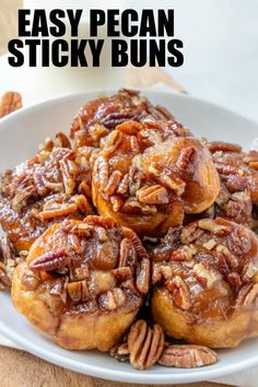 Easy Pecan Sticky Buns - Tornadough Alli - - With only 5 ingredients and 20 minutes these Easy Pecan Sticky Buns are the perfect breakfast or dessert recipe that is gooey, sweet and crunchy all in one. Breakfast Dishes, Breakfast Recipes, Dessert Recipes, Breakfast Dessert, Pecan Desserts, Delicious Desserts, Sticky Rolls, Pecan Sticky Buns, Pecan Rolls