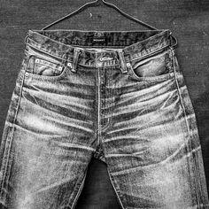 加工途中の図です。  #マインドアーツ #MINEDARTS#moussy#moussyjeans#denim#jeans#デニム#japan#mined#art#vintageclothing#vintage#used加工#used#ファッション#fashion#blue#indigo#craftmanship#ハンドメイド#handcrafted#handmade#luxury#cute#ladies#men #worndenim #workshop #japan @moussyofficial