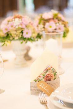 Biztosan fogsz találni a virágaidhoz illeszkedő szalvétát is! Table Decorations, Blog, Vintage, Blogging, Vintage Comics, Dinner Table Decorations