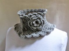 Lana hand knits beautiful things in Buenos Aires, Madrid. I have this lovely piece...