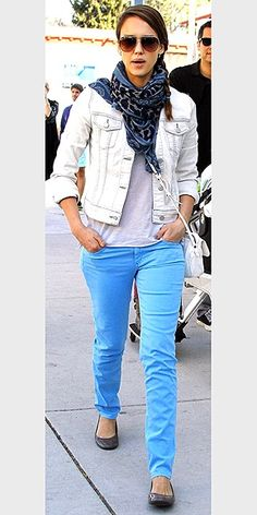 Jessica Alba Wearing Aviator Sunglasses. http://www.sunglassesindia.com