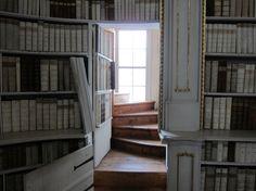 escape room puzzle idea - secret door in a bookcase
