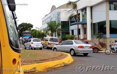 Transito caótico nas avenidas em frente as escolas. - http://projac.com.br/noticias/transito-caotico-nas-avenidas-em-frente-escolas.html