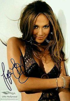 Jennifer Lopez Sexy Musical & Film Actress Signed Autographed 8 X 10 Reprint Photo - Mint Condition Boho Fashion, Spring Fashion, Musical Film, Movie Photo, Go Shopping, Best Brand, Jennifer Lopez, Musicals, Hollywood